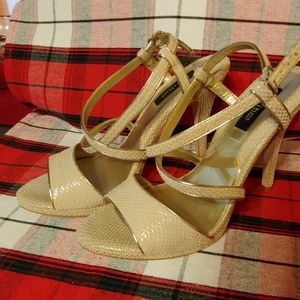 Stunning WHBM heels size 9